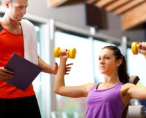 Fitnesstrainer © Minerva Studio - Fotolia.com